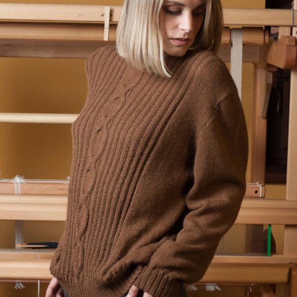 maglione a coste marrone